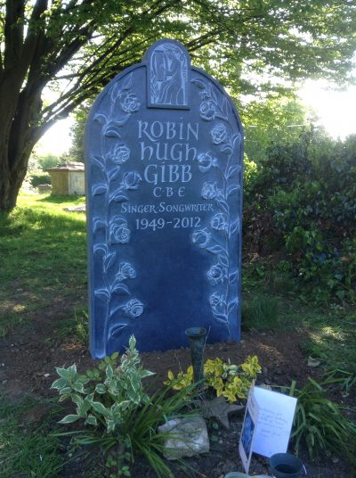Martin Cooks hand carved memorial to Robin Gibb